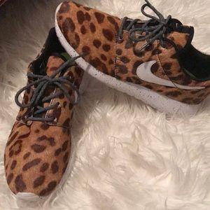 Nike Shoes - Nike Tennis Shoes Cheetah Print size 8.5